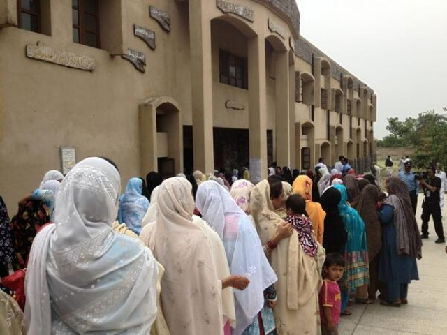 Voters turn out in Islamabad and Rawalpindi. PHOTO: saddaf_s