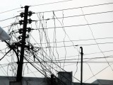 198721-khi-020410-electricity-theft-through-kunda-system-at-wapda-wires-mohammad-adeel-2-2-2-2