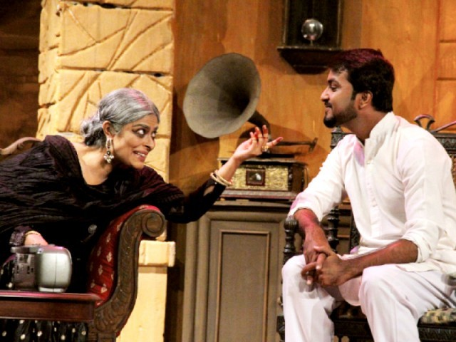 Begum Jaan, played by Nimra Bucha, recalls her young days as a classical singer with journalist Sanjay Panday, played by Paras Masroor. The play is being staged at Napa for the next two days. PHOTO: FILE