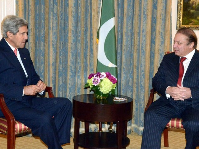 Prime Minister Nawaz Sharif (R) in a meeting with US Secretary of State John Kerry (L) in New York on Thursday. PHOTO: PID