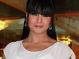 veena-malik-kissed-by-100-boys-on-her-birthday-2013-3