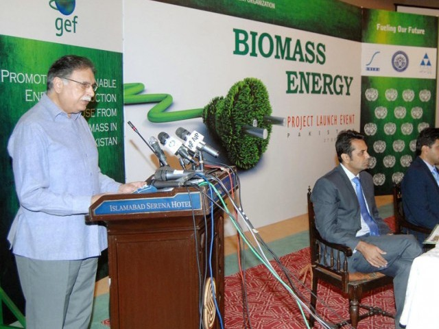 Federal Minister of Information, Senator Pervez Rasheed addressing during launching ceremony of Biomass Renewable Energy Project. PHOTO: APP