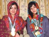 amina-and-ifrah-wali-photo-shabbir-mir-2