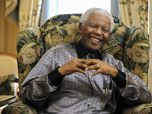 Mandela, who was elected South Africa's first black president after spending nearly three decades in prison, had been receiving treatment for a lung infection at his Johannesburg home since September, after three months in hospital in a critical state. PHOTO: REUTERS/FILE