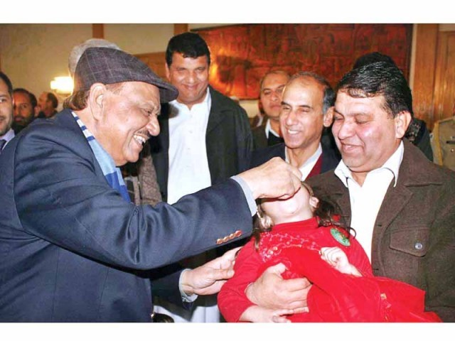 President Mamnoon Hussain initiates the polio vaccination campaign in Fata. PHOTO: APP