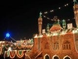 Intricate lighting illuminates a mosque and its surrounding neighbourhood in Dhoke Matkal, Rawalpindi ahead of Eid Miladun Nabi (pbuh). PHOTO: ONLINE
