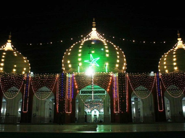 The New Memon Mosque in Karachi illuminated ahead of Eid Miladun Nabi (pbuh). PHOTO: ONLINE