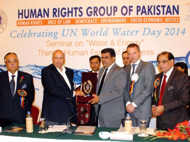 Image result for malik riaz received humanitarian award in usa