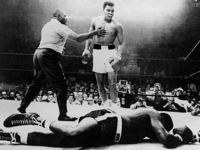 Ali began his boxing training with Joe Martin, the cop who told Ali – then known as Cassius Clay – to learn to box first in order to get back at the thief. PHOTO: AFP/FILE