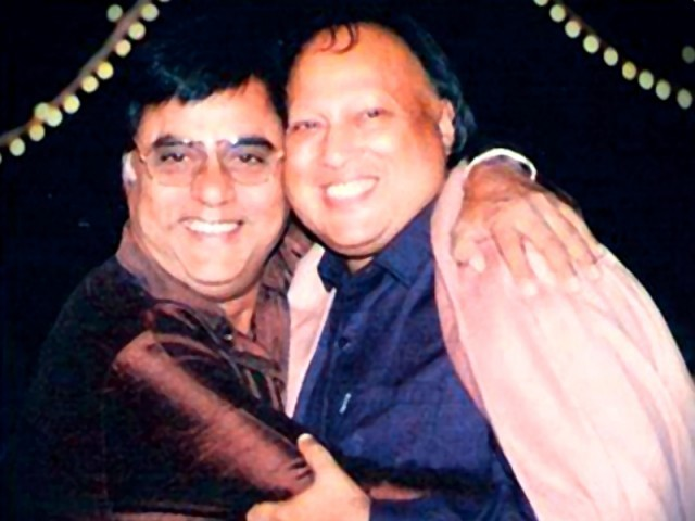 Jagjit Singh and Nusrat Fateh Ali Khan. PHOTO: facebook.com/NFAK.The Legend