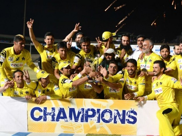 Peshawar Panthers celebrate their victory over Lahore Lions on Sunday. PHOTO: PCB