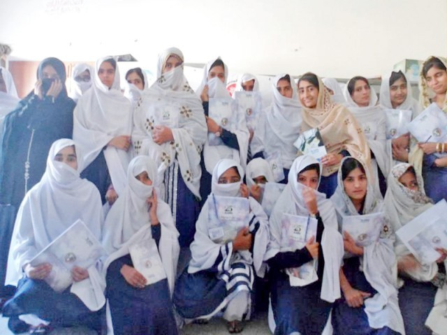 Mariyum with her students. PHOTO COURTESY: MARIYAM SULEMAN