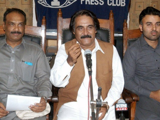 PTI's Subhan Ali Sahil unveiling PTI's protest plans for Karachi during a press conference at the Karachi Press Club on Thursday. PHOTO: NNI