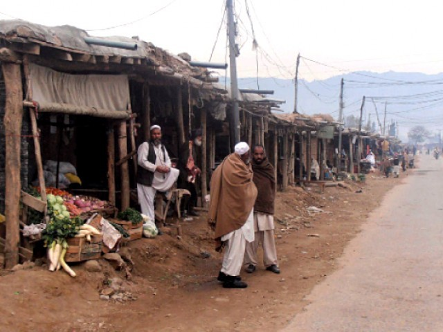 All relevant police officers are directed to speed up the process against illegal Afghan refugees.  PHOTO: FAZAL KHALIQ/EXPRESS