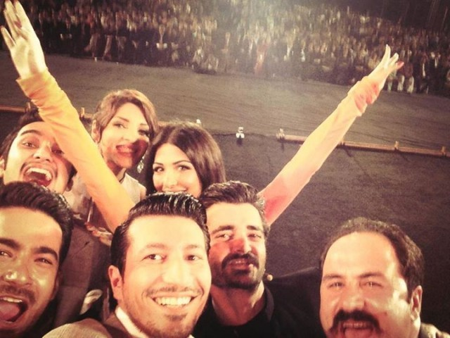 The cast of Jalaibee takes a selfie. PHOTO: JALAIBEE FACEBOOK PAGE