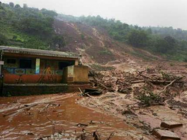 Mudslides bury at least four houses in Chadoora. PHOTO COURTESY: I24$NEWS