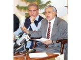 PTI and PMLN agreed to form a commission to probe the former's allegation of rigging on April 2. PHOTO: APP