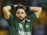 pakistans-shahid-afridi-looks-on-during-the-icc-world-twenty20-super-8-cricket-match-against-australia-in-colombo-2-2