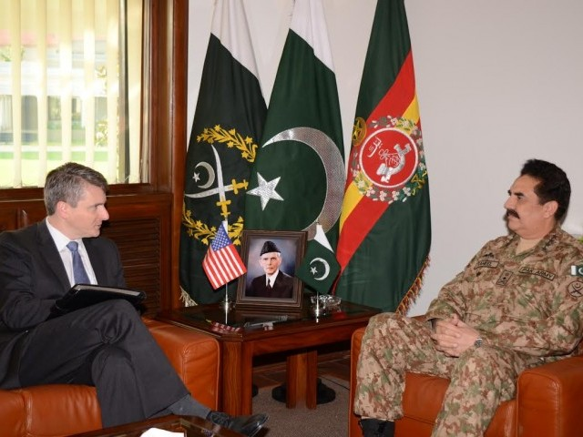 Army chief General Raheel Sharif with US Special Representative for Afghanistan and Pakistan (SRAP) Ambassador Daniel Feldman. PHOTO: ISPR/FILE