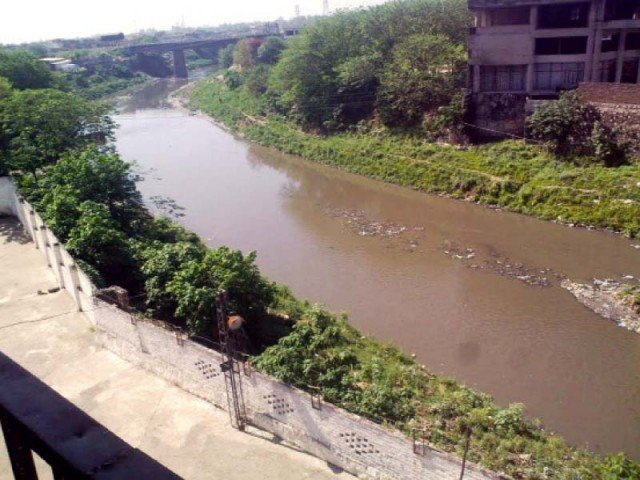 Major reason behind poor sanitation around the stream is government inefficiency and public apathy. PHOTO: FILE
