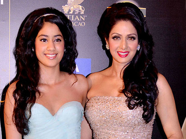 445_jhanvi-kapoor-and-sridevi_thumb