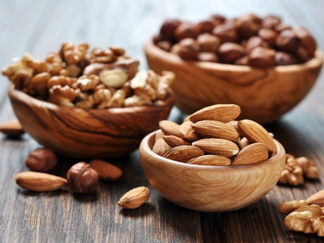 "Numerous studies have shown that diets ""enriched with nuts"" do not increase weight. PHOTO: EATTHIS"