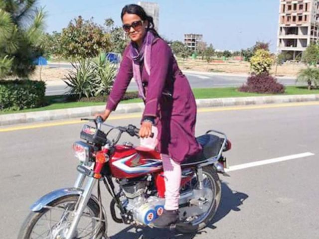 Mehwish Ekhlaque is one of the few female motorcyclists in the city who still hold a passion for hardcore biking and track racing. She used to ride the two-wheeler with her husband sitting behind until he died. Now, she takes care of her motorcycle on her own. PHOTOS: COURTESY MEHWISH EKHLAQUE