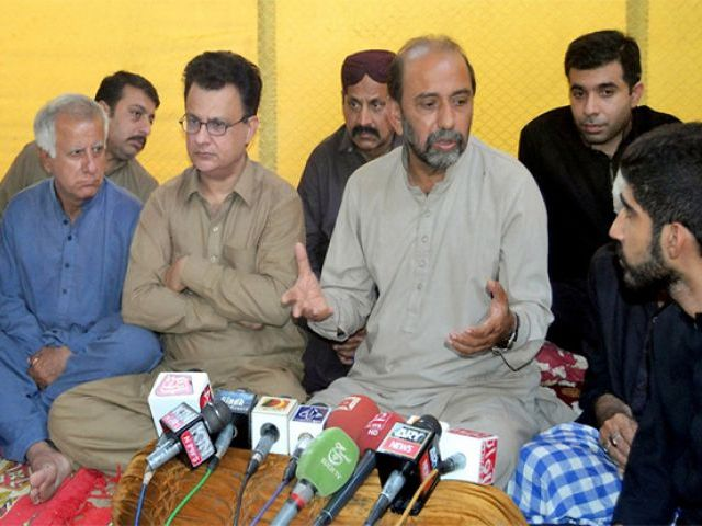 SUP chairperson Syed Jalal Mehmood Shah and Qaumi Awami Tehreek's Ayaz Palijo addressing a joint press conference. PHOTO: NNI