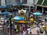 people-and-tourists-gather-as-they-pray-at-erawan-shrine-the-site-of-last-mondays-deadly-blast-in-bangkok-2-3
