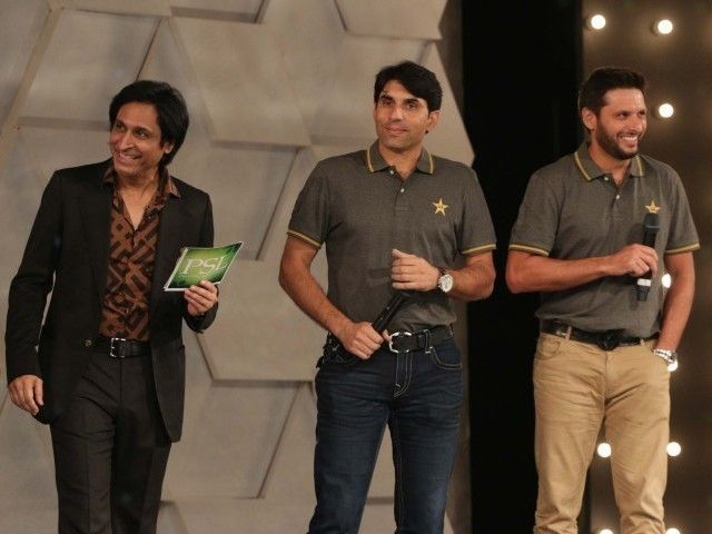 Rameez Raja stands on stage along with Misbahul Haq and Shahid Afridi at the PSL launch ceremony in Lahore on September 20, 2015. PHOTO: SHAFIQ MALIK/EXPRESS