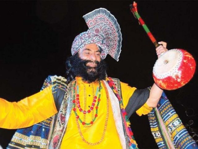 In an attempt to expand his singing career, Wahid travelled to Karachi and performed at the Sachal Sarmast mela and Shahbaz Qalandar festival. PHOTO: FILE