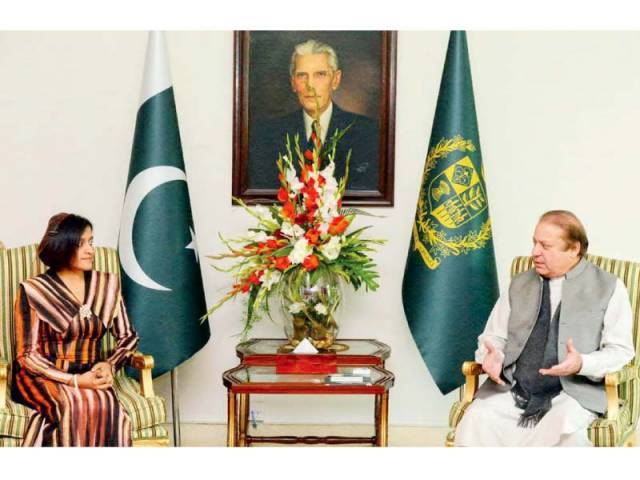 Prime Minister Nawaz Sharif and Maldives Foreign Minister Dunya Maumoon during a meeting at the PM House. PHOTO: APP