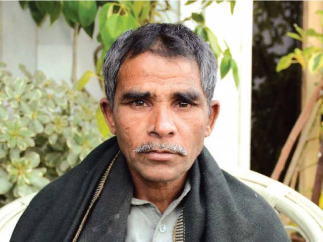 Javed Masih suffers from retinitis pigmentosa, an inherited condition leading to incurable blindness.