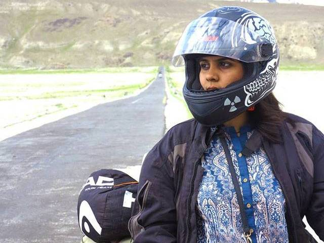 PHOTO: ZENITH IRFAN: 1 GIRL 2 WHEELS FACEBOOK