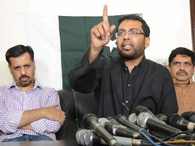 Dr Sagheer Ahmed addresses a press conference in Karachi on March 7, 2016. PHOTO: MOHAMMAD AZEEM/EXPRESS