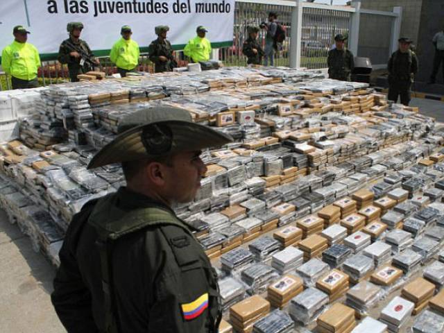 Investigators said that a drug trafficking network was stockpiling the cocaine to eventually ship it aboard the torpedo craft to Central America. PHOTO: AP