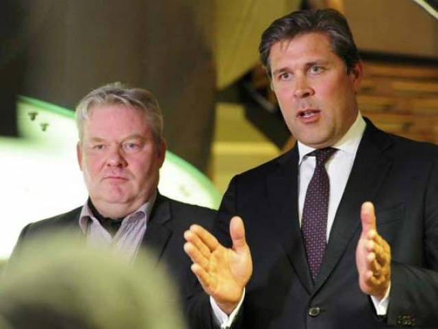 Sigurdur Ingi Johannsson (L), minister of fisheries and agriculture of the Progressive Party who was named as new prime minister by two government coalition parties attends press conference together with finance minster Bjarni Benediktsson in Reykjavik, Iceland on April 6 REUTERS