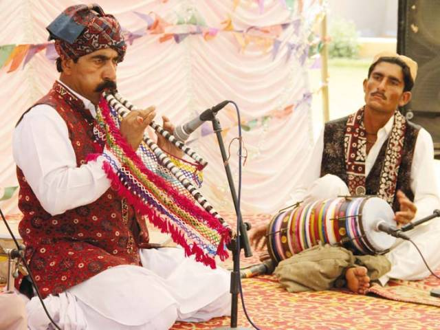 Arbab Allah Bachayo performs live in the main garden at Lahooti Melo 2016 in Hyderabad on Sunday. PHOTOS: AYESHA MIR/EXPRESS