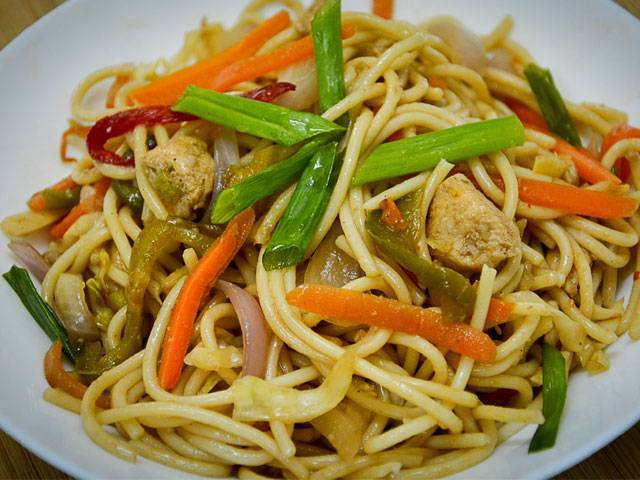 Want to imitate restaurant style chow mein at home heres the chow down on delicious chicken chow mein photo muhammad yousuf bawany forumfinder Image collections
