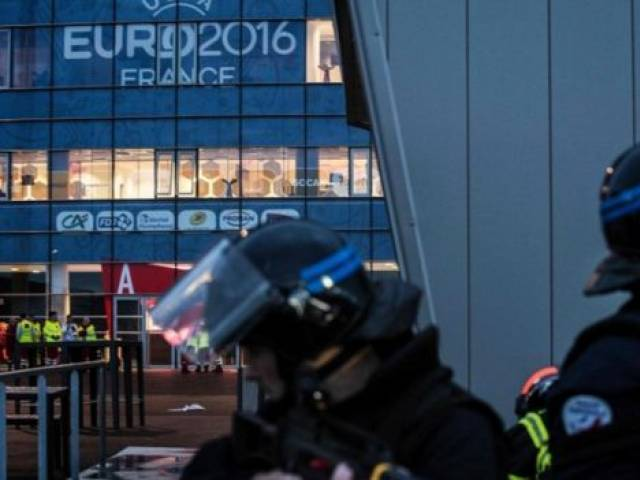 "United States warned its citizens Tuesday that this summer's Euro 2016 soccer tournament and related events across France and Europe will present ""potential targets for terrorists."" PHOTO: AFP"