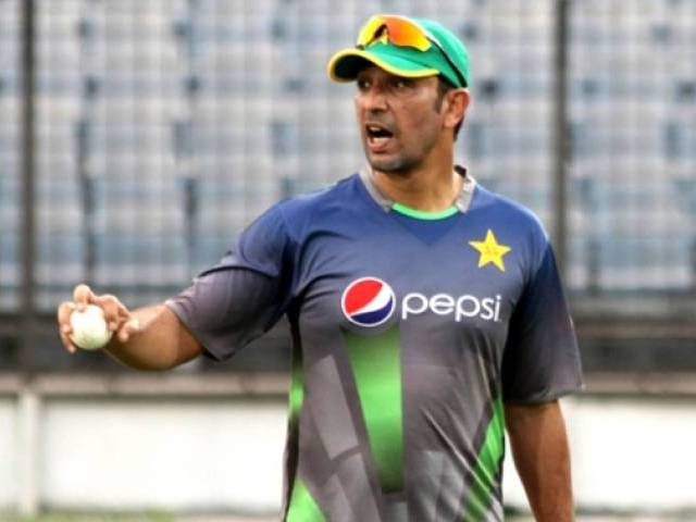 Azhar Mahmood leaves for Pakistan due to a personal emergency
