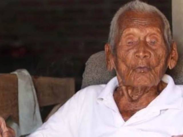 Indonesia: Mbah Gotho from Sragen might just become the oldest living person in the world. PHOTO: YOUTUBE