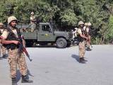 peshawar-security-officials-2