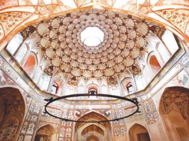 A view of the dome of the Shahi Hammam. PHOTO: WCLA