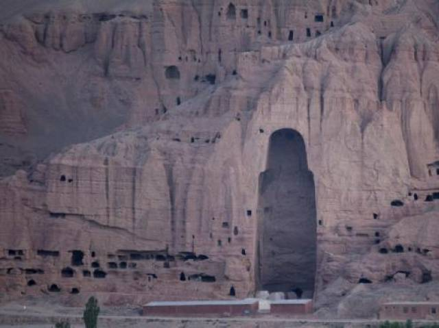 A close-up view of the Large Buddha niche in Bamiyan in central Afghanistan August 16, 2009.  PHOTO: REUTERS