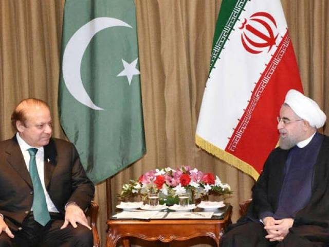 Prime Minister Nawaz Sharif in a meeting with Iranian President Hassan Rouhani in New York on September 21, 2016. PHOTO: PID