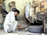 cadillac-fatima-jinnahs-cars-being-restored-at-national-museum-16th-sept-2016-ayesha-mir-7