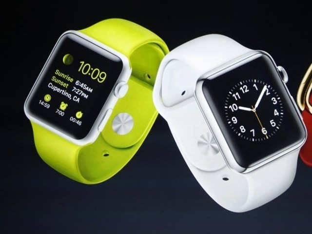 Smartwatch sales tumble, dragged down by Apple