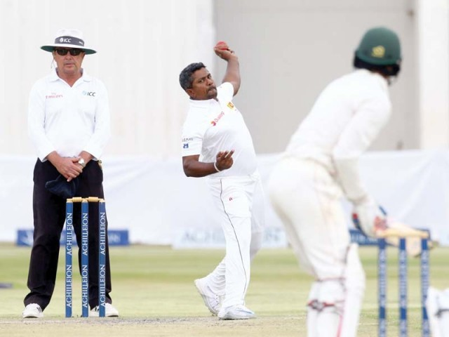 Herath spins Sri Lanka toward Zimbabwe sweep
