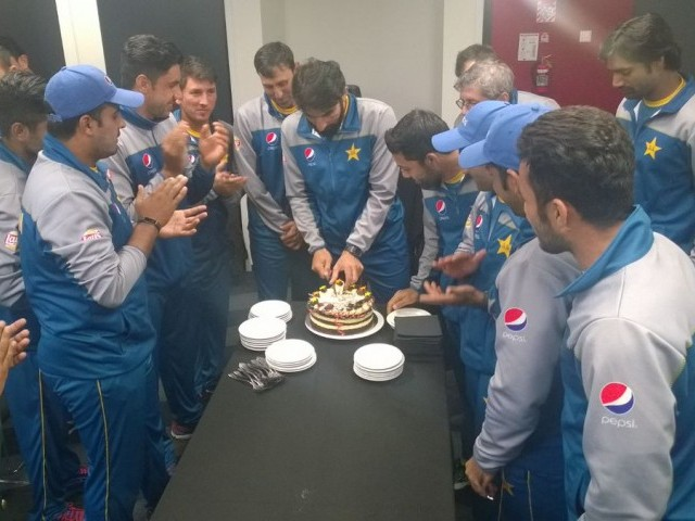 Misbah cuts cake to celebrate 50th match as Test captain. PHOTO COURTESY: PCB